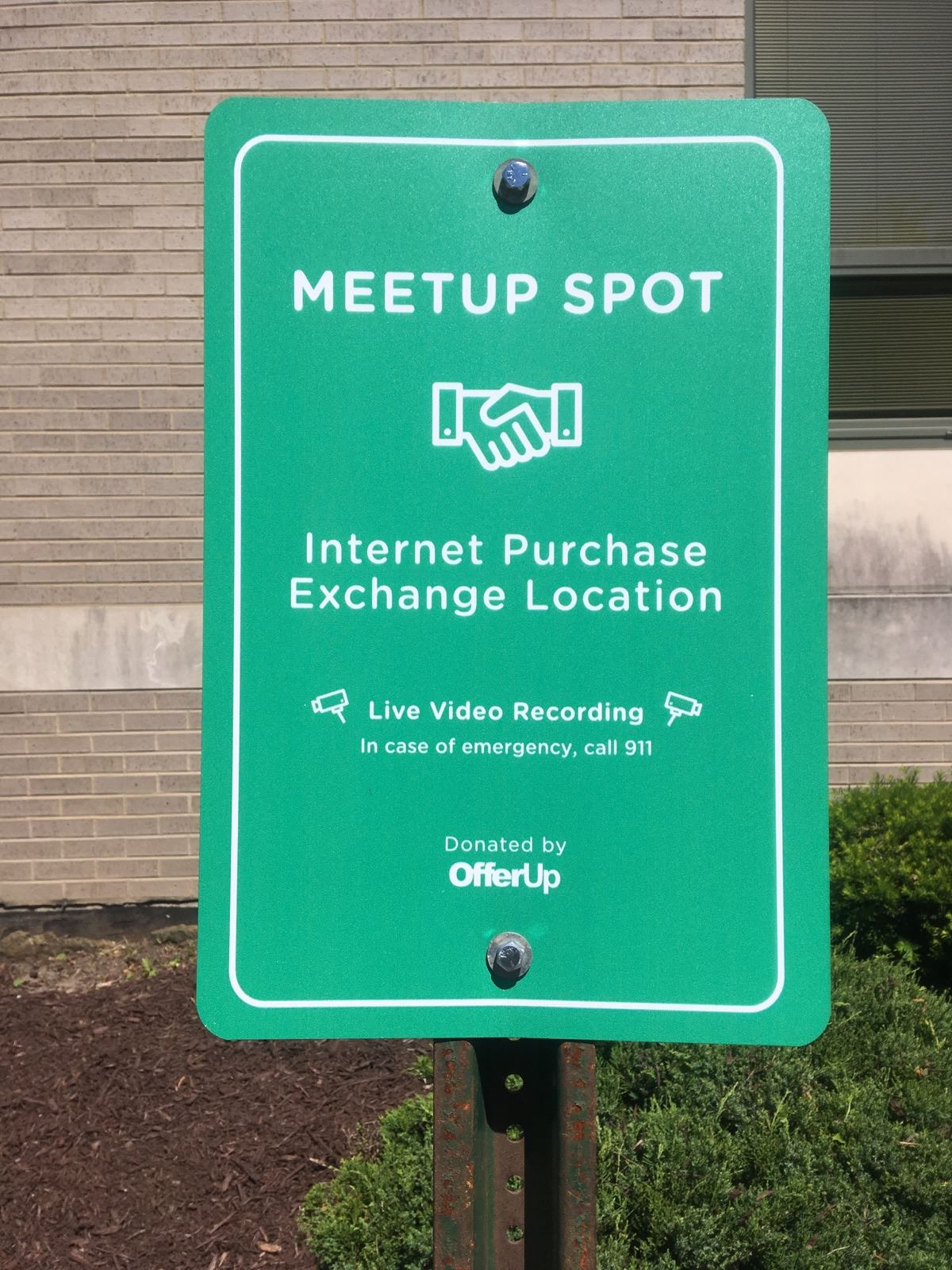Internet Drop Off Spot Sign